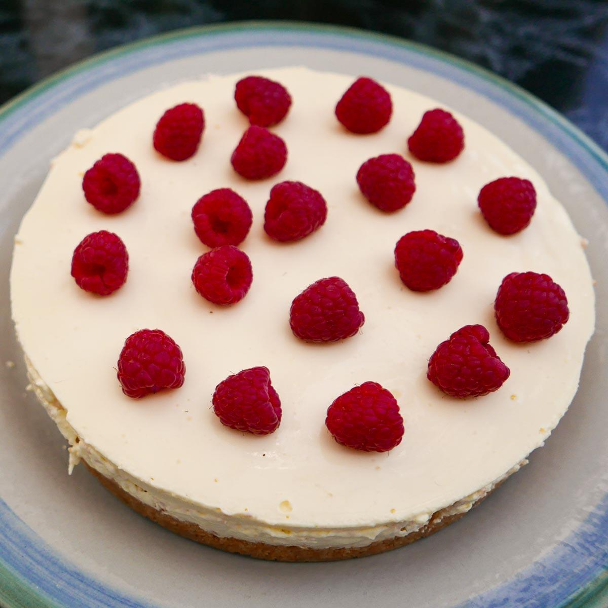 Whole Easy Lemon Cheesecake